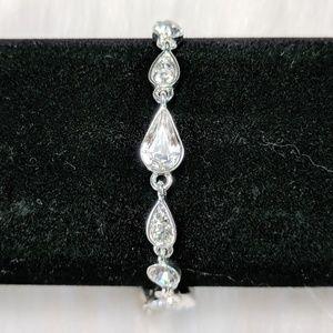 Jewelry - Teardrop Rhinestone Bracelet